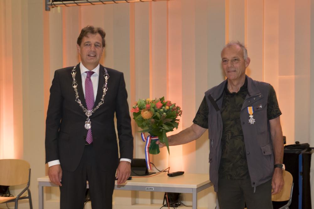 Ed van Seters uit Ede Ridder in de Orde van Oranje-Nassau