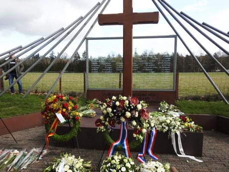 Mineke uit Rijssen herdenkt haar vader in De Woeste Hoeve