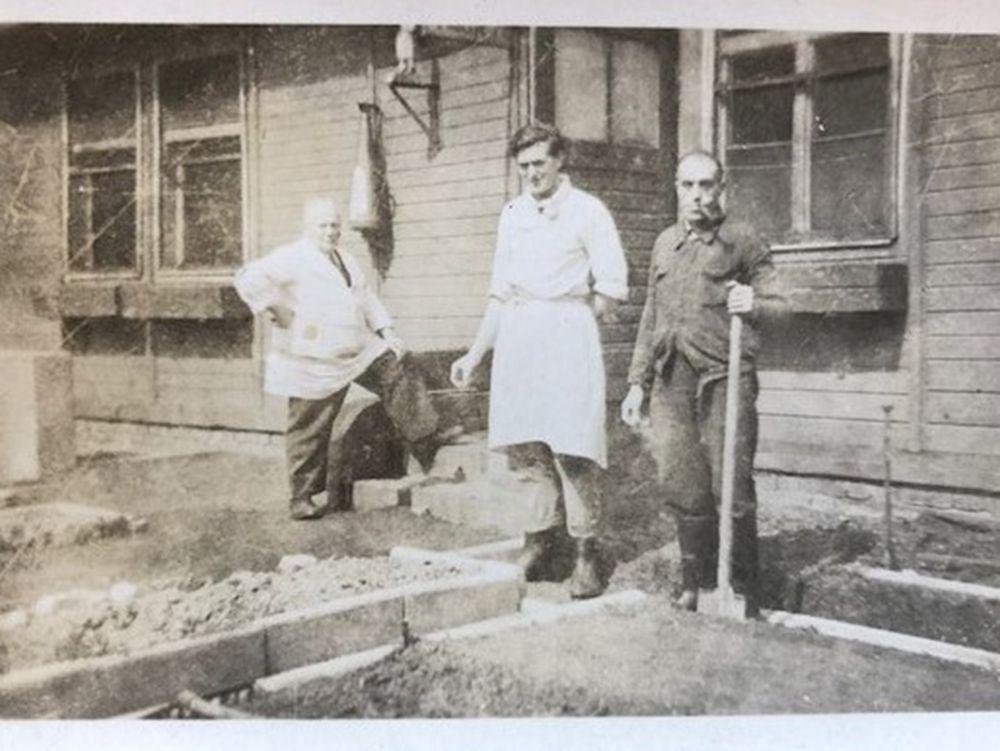 De miserie van slavenarbeiders in Auschwitz door de ogen van een chef-kok