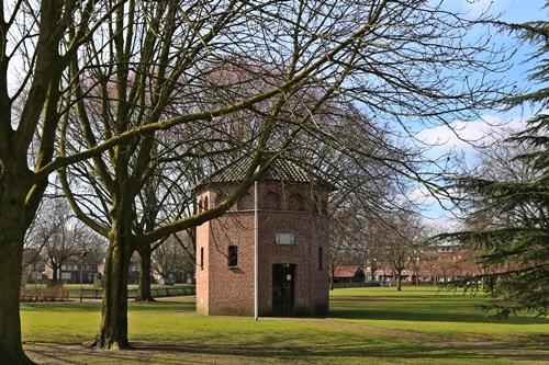 Namenlijst oorlogsslachtoffers in gedachteniskapel Hortensiapark opnieuw bekeken