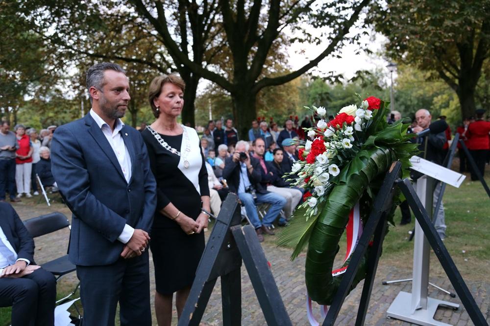 Fotoverslag herdenking Helmond 2016