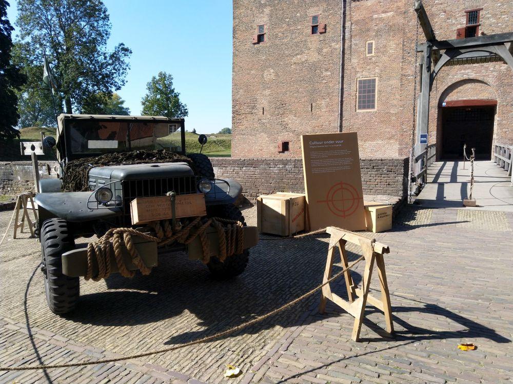 Fotoverslag Expositie Cultuur onder Vuur in Slot Loevestein