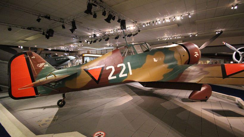 Fotoverslag Militaire Luchtvaart Museum Tracesofwar Nl
