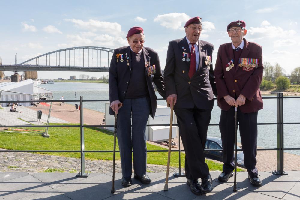 Photo report Opening 'Airborne at the Bridge'