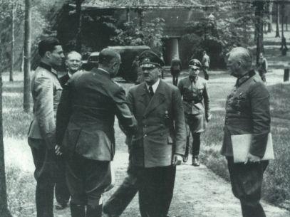 Fotoverslag in de sporen van Von Stauffenberg in de Wolfsschanze