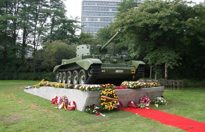 Fotoverslag inhuldiging Cromwell tank Wilrijk
