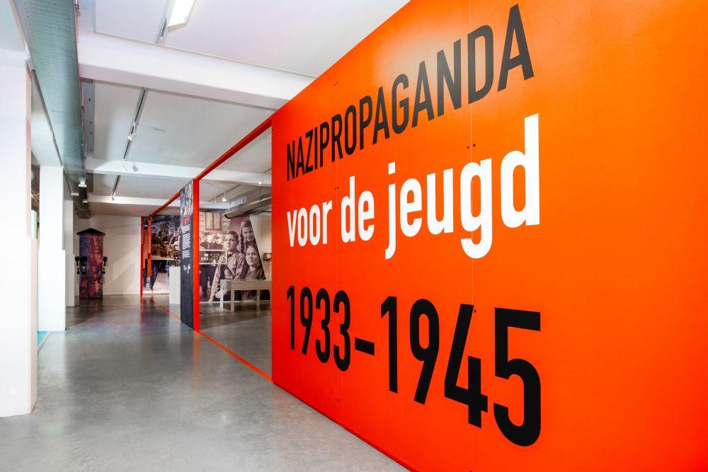 Onderwijsmuseum in Dordrecht toont hoe jonge nazi's gecreëerd werden