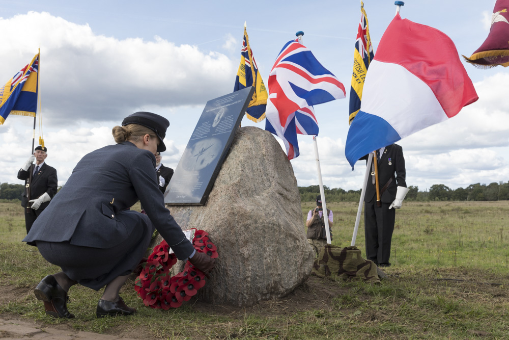 Photo Report Unveiling memorial Flt David Lord VC, DFC