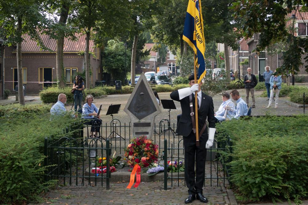 21-09: Photo Report Airborne Commemoration Arnhem-West