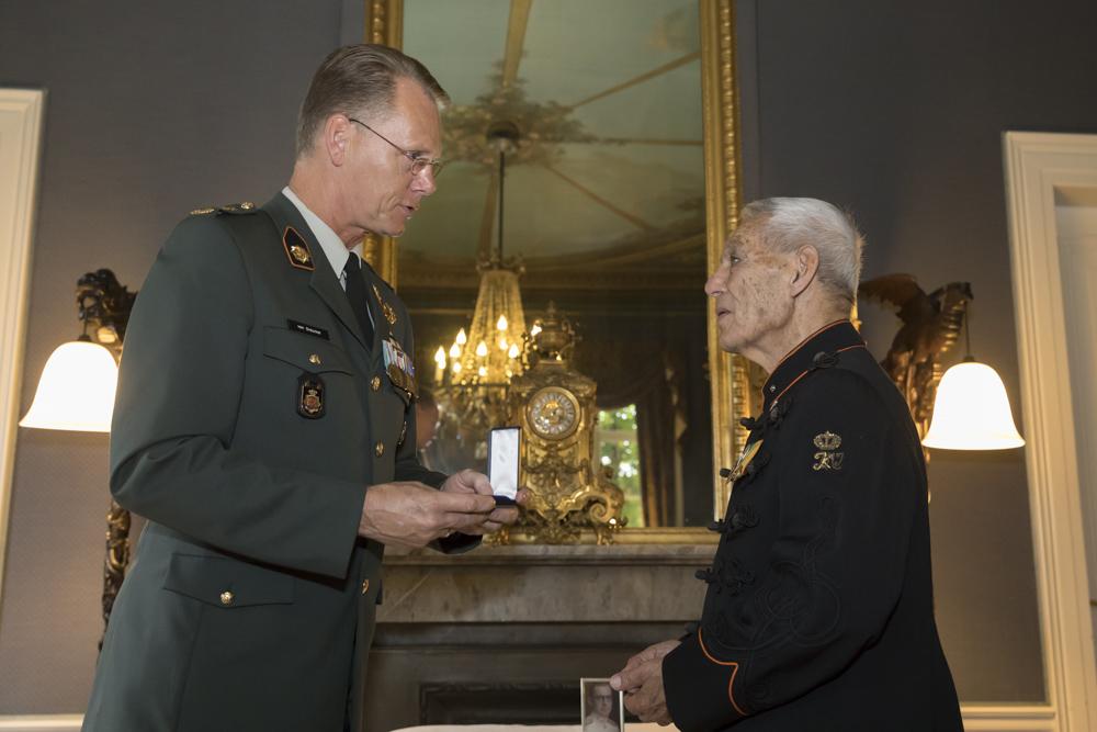 Fotoverslag postume uitreiking Mobilisatie-Oorlogskruis Sergeant Kerrebijn
