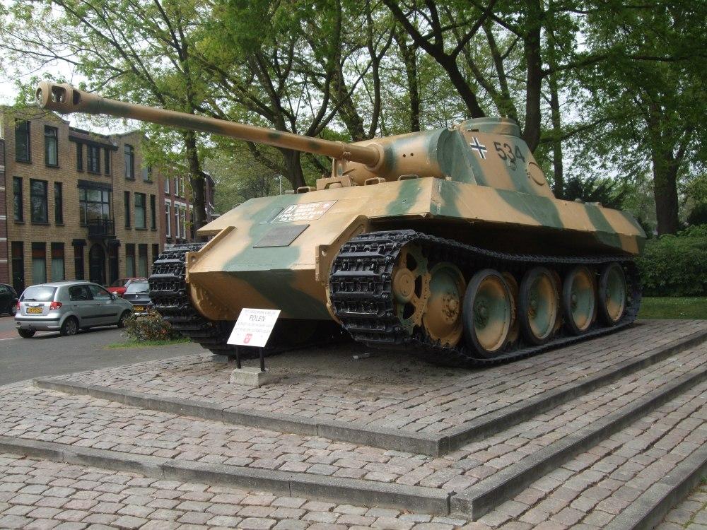 Sporen van de Strijd: De 'Poolse' Panther-tank in Breda