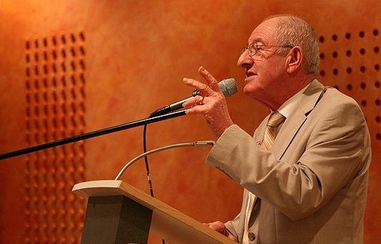 Salo Muller haalt pijnlijke jeugdherinneringen op in Westerbork