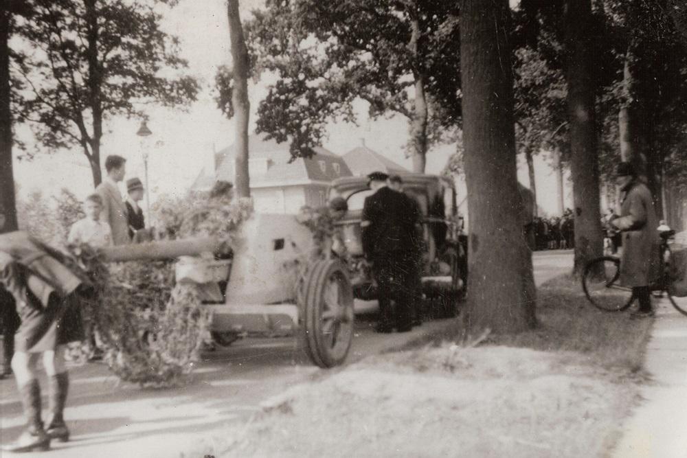 Het Duitse kanon op de Eindhovenseweg, Geldrop - September 1944