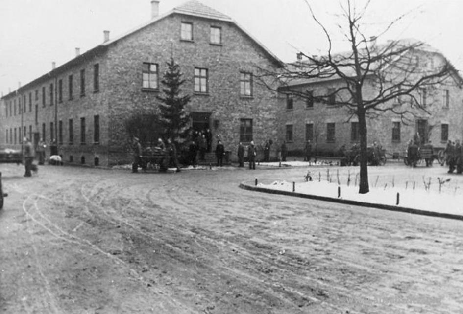 Kerstmis in Auschwitz: sadisme en verbroedering