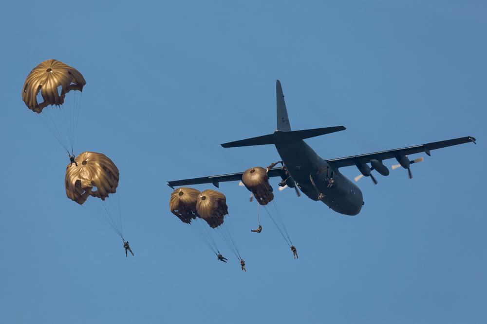 Photo Report Air landings and Commemorations Ginkel Heath