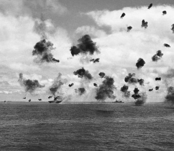 Photo: U.S. Aircraft-Carrier Yorktown.