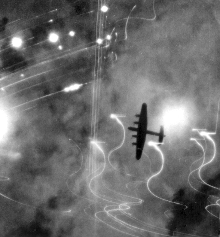 Lancasters over Hamburg: High Level of Daring